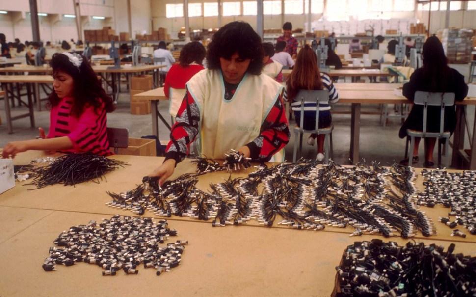 Maquiladora-Maquiladoras-Mujeres-Obreras-Trabajadoras