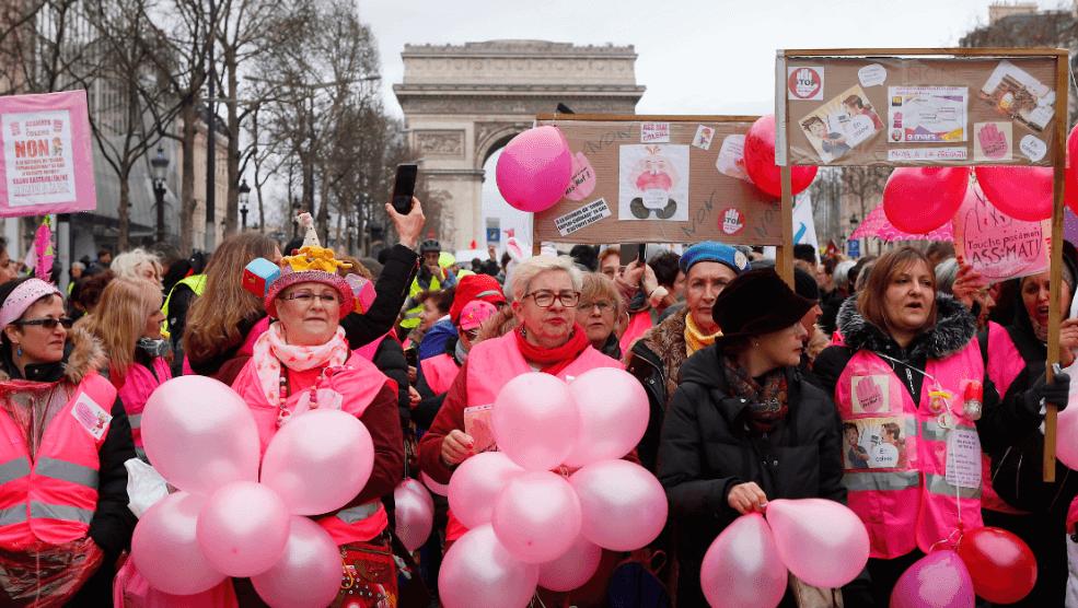OTO Chalecos amarillos marchan, encabezados por mujeres, en París AP 9 marzo 2019 paris