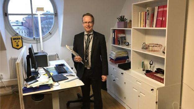 Per Arne Håkansson, diputado de partido Socialdemócrata sueco, en su despacho en Estocolmo (GettyImages)