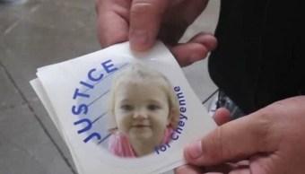 Policía abandona a su hija encerrada en una patrulla