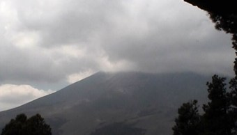 Foto: Autoridades reportan que el volcán Popocatépetl emite 83 exhalaciones, vapor de agua y gases en las últimas 24 horas, 31 de marzo de 2019 (Twitter: @PC_Estatal)