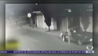Roban camioneta estacionada en calles de Puebla