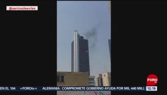 Se registra columna de humo en Torre Bancomer CDMX