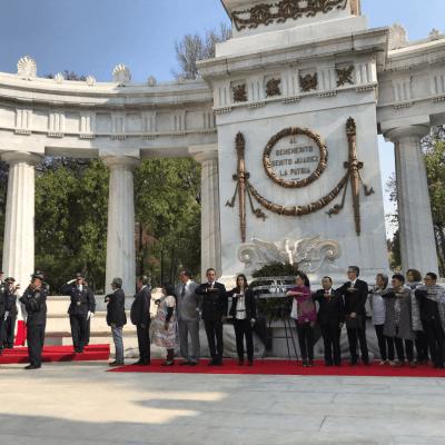 Encabeza Sheinbaum ceremonia en honor a Benito Juárez