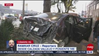 Tráiler embiste a automóvil en Calzada Vallejo, CDMX