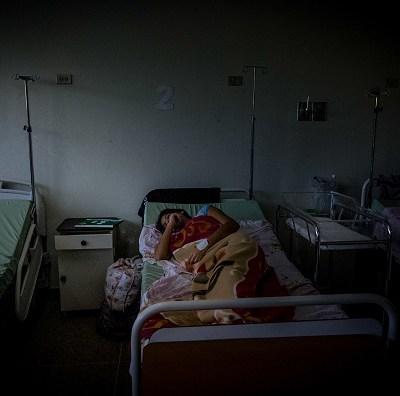 Mueren 15 pacientes ante prolongado apagón en Venezuela, denuncia ONG
