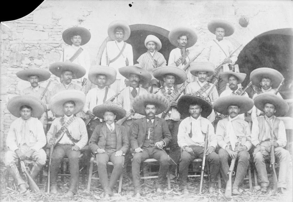 Emiliano Zapata y su estado mayor (1910-1919), en Yautepec, Morelos. (CC/Wikimedia)
