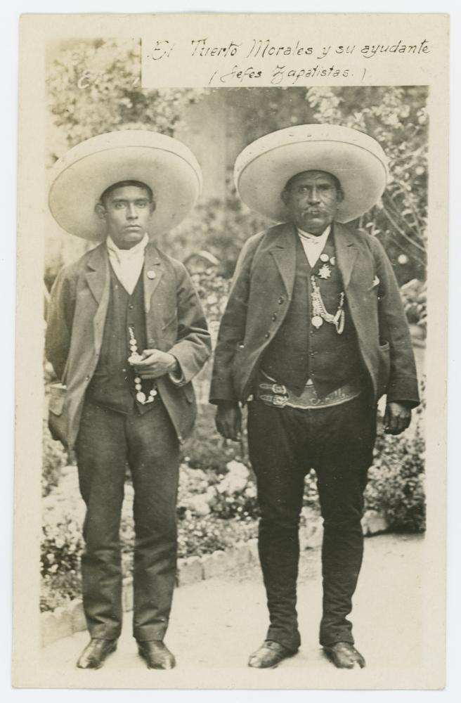 El Tuerto Morales y su ayudante (jefes zapatistas). (ca. 1910-1920). (CC/Wikimedia/DeGolyer Library, Southern Methodist University)