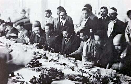 Pancho Villa, el presidente provisional Eulalio Gutiérrez y Emiliano Zapata. (CC/Wikimedia)