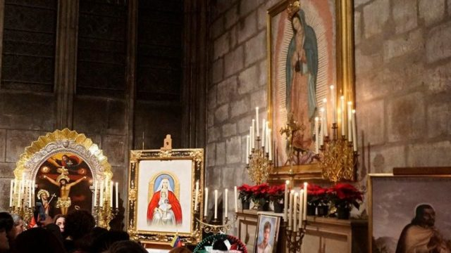 Altar Virgen de Guadalupe Notre Dame, intacto tras incendio