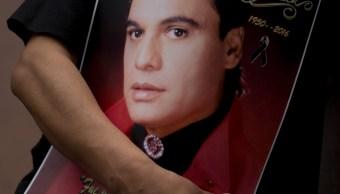 FOTO AMLO dice que Juan Gabriel vive por sus canciones (AP 28 ago 2017 cdmx)