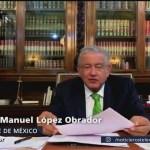 Foto: AMLO firma memorándum para no aplicar la reforma educativa