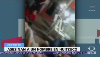 FOTO: Asesinan a hombre en el zócalo de Huitzuco, Guerrero, 19 ABRIL 2019
