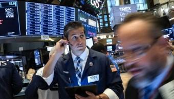 Foto: Comerciantes trabajan en el piso de la Bolsa de Nueva York (NYSE) en Nueva York, Estados Unidos, 8 de abril de 2019 (Reuters)