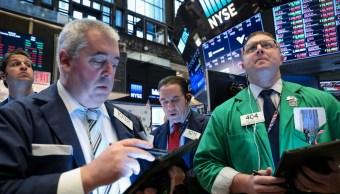 Foto: Los comerciantes trabajan en el piso de la Bolsa de Nueva York (NYSE) en Nueva York, Estados Unidos, 9 de abril de 2019 (Reuters)