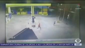 Captan asalto a empleado de gasolinera en Monterrey