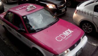 Sheinbaum va por piso parejo entre taxis y apps