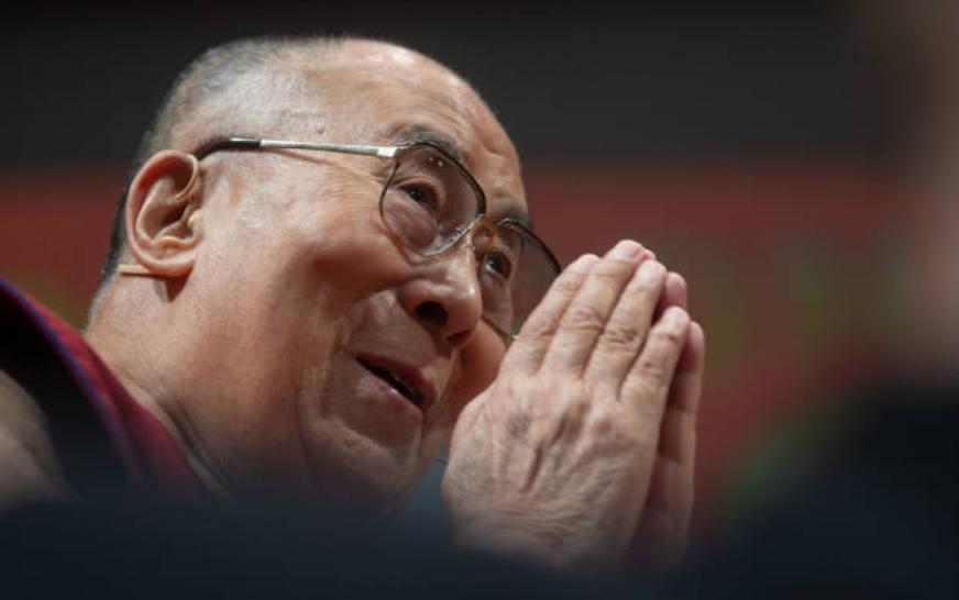 Dalai Lama sale del hospital
