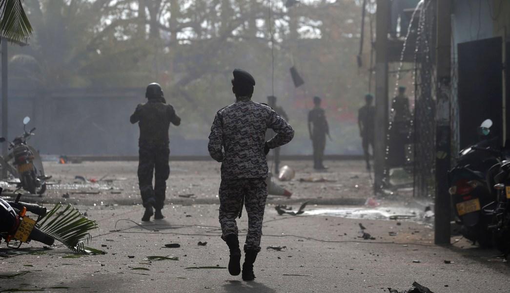 FOTO Desactivan bomba cerca de iglesia en Sri Lanka AP 22 abril 2019 colombo