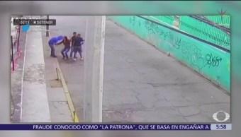 Cámaras de seguridad captan asalto a pareja en Ecatepec, Edomex