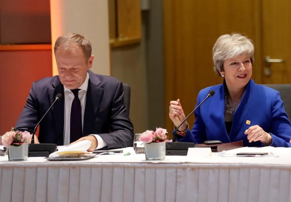 Unión Europea prorroga Brexit al 31 de octubre; May acepta