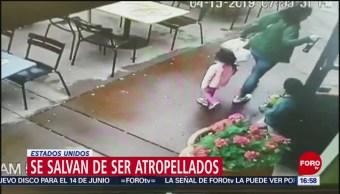 Foto: Familia se salva de ser atropellada al cerrar puerta de restaurante