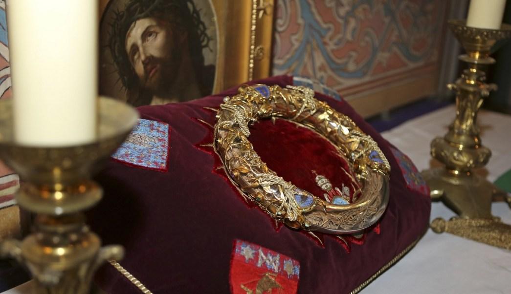 Foto: Una corona de espinas que se creía que había sido usada por Jesucristo se presentó en la catedral de Notre Dame en París, Francia. El viernes 21 de marzo de 2014