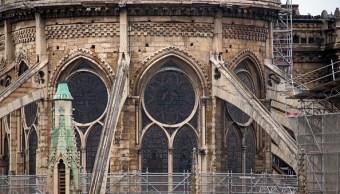 Foto: Los vitrales de la catedral de Notre Dame quedaron machados tras el incendio. El 16 de abril de 2019