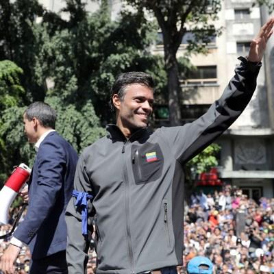 Leopoldo López y su familia ingresan como 'huéspedes' a embajada de Chile