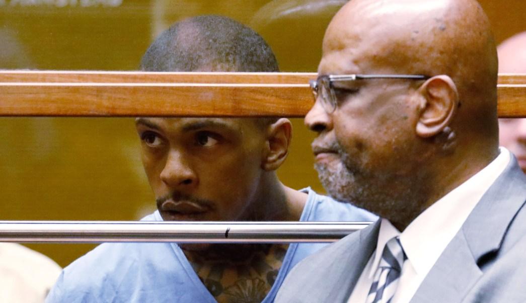 Foto: Eric Holder, sospechoso de matar al rapero Nipsey Hussle, aparece en el juzgado del condado de Los Angeles en Los Angeles, EEUU. El 4 de abril de 2019