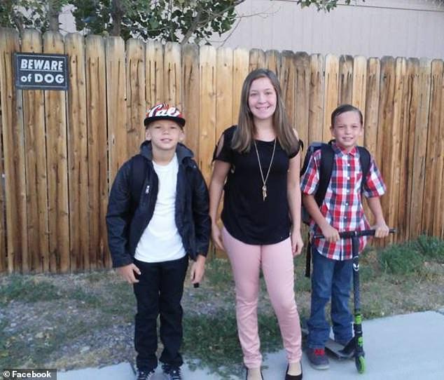Fotografía de los tres hermanos Preston (de izquierda a derecha), William, Trista y Nathan (Facebook/Krystal Jane Preston)