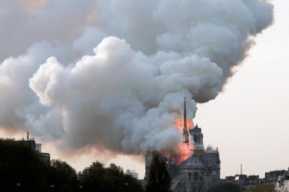Foto: Fuego en Notre Dame,15 de abril de 2019, París, Francia