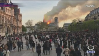 Foto: Fuerte incendio en la Catedral de Notre Dame
