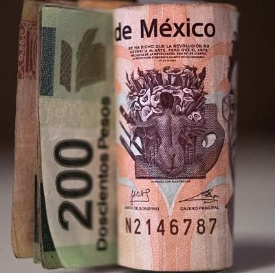 AMLO anuncia que México tendrá crecimiento de 4%; revela que recibió carta de BlackRock