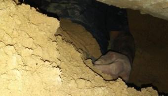 foto Hombre queda atrapado en túnel que él mismo cavó para espiar a expareja 25 abril 2019