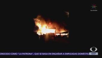 Incendio en Aragón provoca cortes viales en avenida 606 y avenida 412