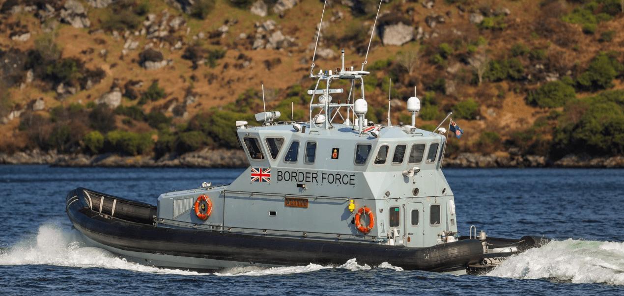 FOTO Interceptan tres balsas con 36 migrantes en Canal de la Mancha (Border Force UK)