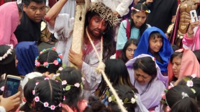 Foto: La 176 representación de la Pasión de Cristo en Iztapalapa, 19 abril 2019. Twitter @ClaraBrugadaM