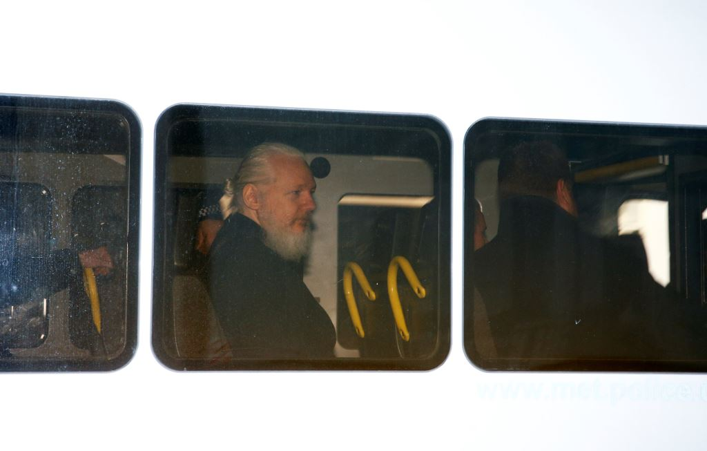 Foto: Juez declara culpable a Julian Assange 11 abril 2019