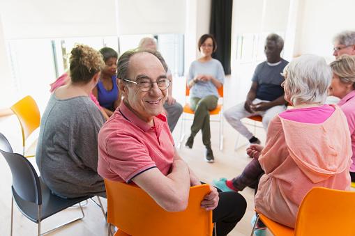 Las personas que hacían ejercicio se sintieron deprimidos menos días que las personas 'sedentarias' (GettyImages)