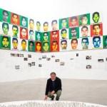 Artista chino recuerda a los 43 de Ayotzinapa con bloques de lego en el MUAC