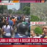 Manifestantes apoyan a Maduro en embajada de Venezuela en CDMX