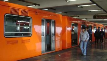 Hombre sufre un infarto y cae a vías del Metro Pantitlán