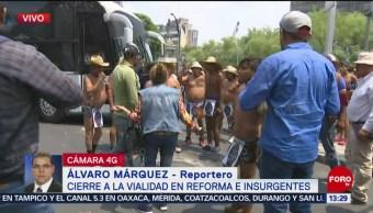Foto: Miembros de los 400 pueblos atacan camiones en Insurgentes y Reforma