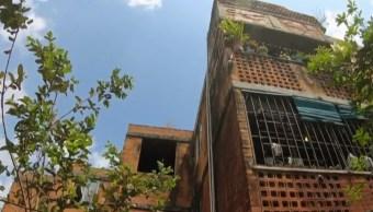 Migrantes centroamericanos invaden casas abandonadas en Tapachula, Chiapas