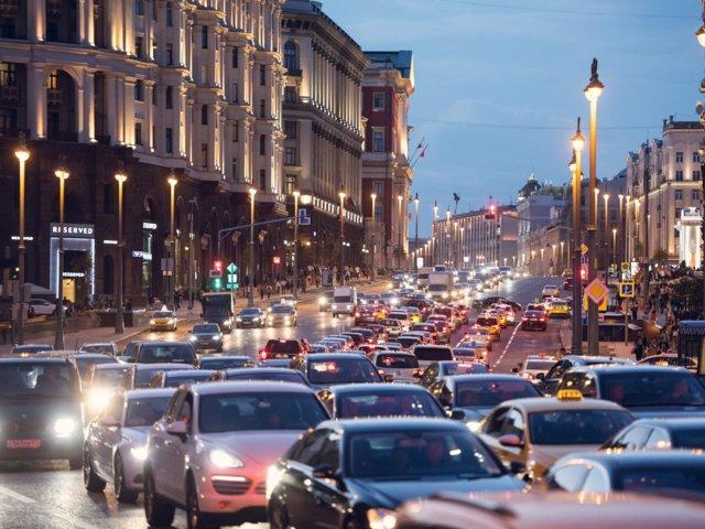 Moscú, Rusia, se llevó de nuevo el primer puesto como la ciudad con el tráfico más intenso del mundo (Shutterstock)