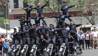 Foto: Conmemoran el aniversario del Día Internacional del Motociclista con acrobacias en la Ciudad de México, abril 14 de 2019 (Twitter: @BuzosdlaNoticia)
