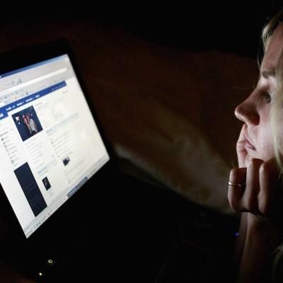Insultó a la nueva esposa de su ex marido en Facebook; podría ir a prisión