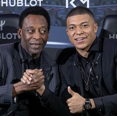 Pelé es hospitalizado en París tras su encuentro con el futbolista Mbappé