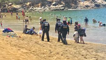 """Foto: Policías Federales realizan recorridos en la playa """"La Audiencia"""" en Manzanillo, 21 abril 2019"""
